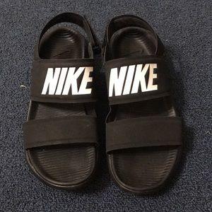 Women's Tanjun Nike Sandal
